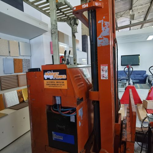 Nissan 1.5T 6M Electric Reach Truck right