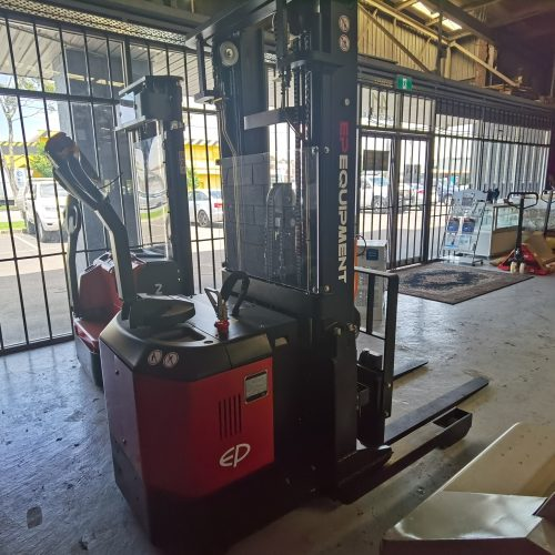 EP 1.5T 4.5M Electric Walkie Reach Truck
