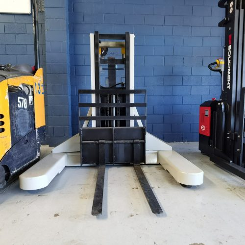 Crown All Direction 1ton Walkie Stacker front